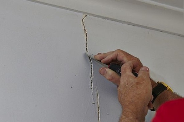 How to Repair and Decorate Settlement Cracks at Home?